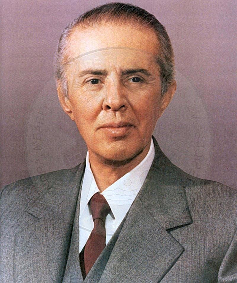 16 Tetor 1908, lindi Enver Hoxha