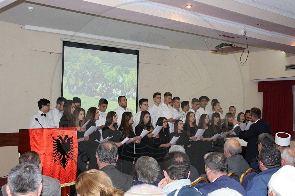 Dy përvjetorë për të mos harruar gjuhën shqipe dhe arsimin në gjuhën amtare