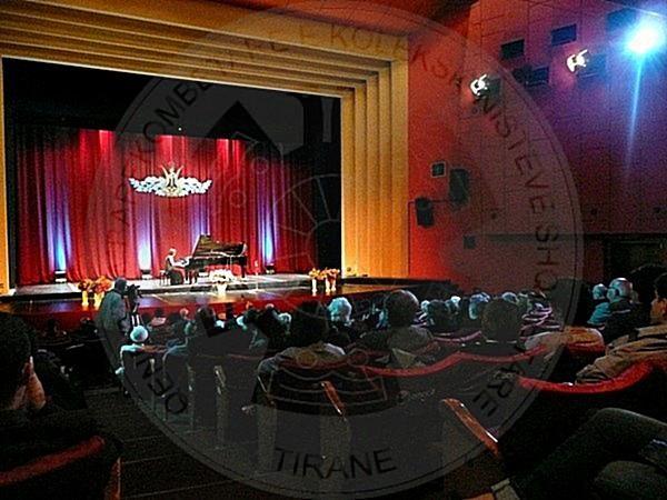"""3 Janar 1965, u luajt në Tiranë opera për fëmijë """"Maçoku me çizme"""""""
