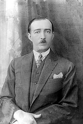 21 January 1925, Albania is declared a Parliamentary Republic with Ahmet Zogu president