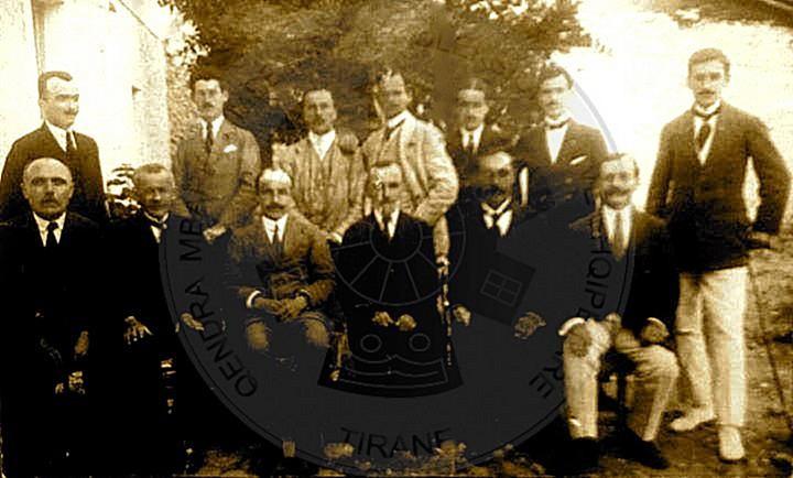 """12 Shkurt 1891, lindi Petref Pogoni, arsimtar i dekoruar me Urdhërin  """"Kalorës i Legjionit të Nderit"""""""