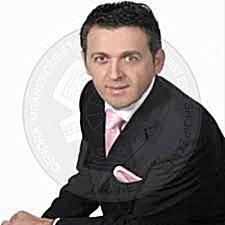 8 Shkurt 1997, Shkëlzen Jetishi vlerësohet si këngëtari më popullor në Kosovë