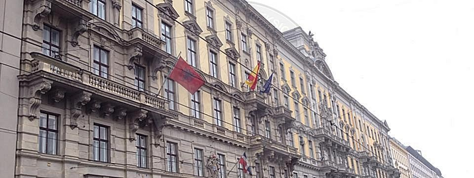 25 March 1996, in Austria was established the Albanian Honorary Consulate