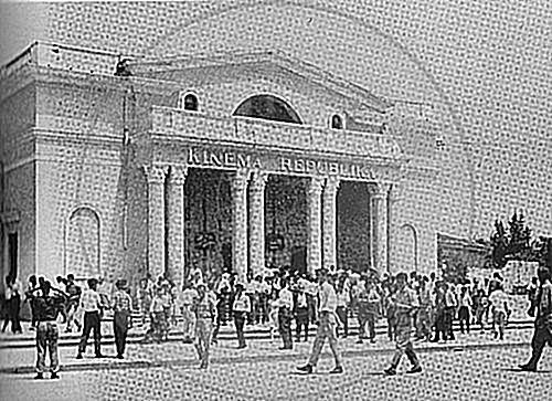 "25 April 1919 appeared in Shkodra the comedy ""Shërbëtori i dy zotërinjve"""