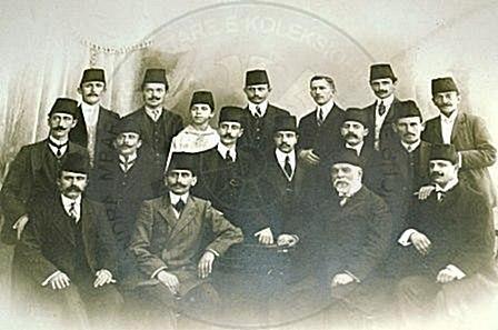 16 Prill 1912, Kuvendi i Krasniqit i paraqiti qeverisë xhonturke një memorandum ku i kërkohej njohja e autonomisë së Shqipërisë