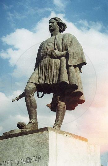 13 April 1932, was set up in Korca the monument of the National Warrior