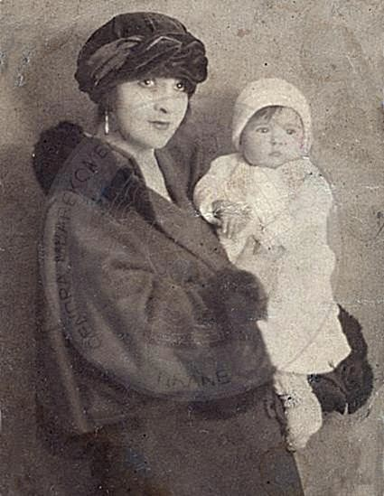 19 April 1923, was born in Tirana the painter Vera Blloshmi