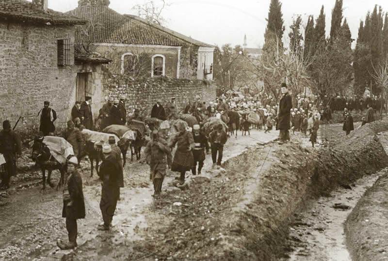 12 Qershor 1920, protestë e ushtarëve italianë për t'i dhënë fund Luftë së Vlorës