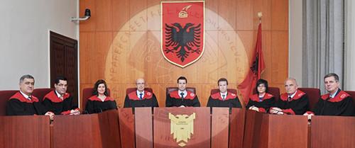 Gjyqtarët ankimojnë Vettingun; Kushtetuesja pranon kërkesën
