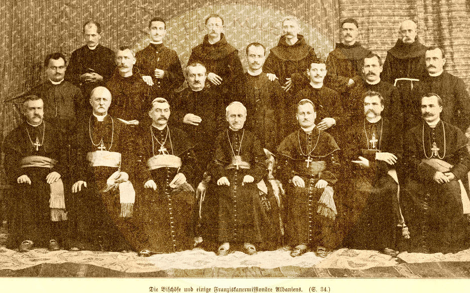 13 June 1913, the Franciscan clerics in Shkodra raised the national flag in the church bells