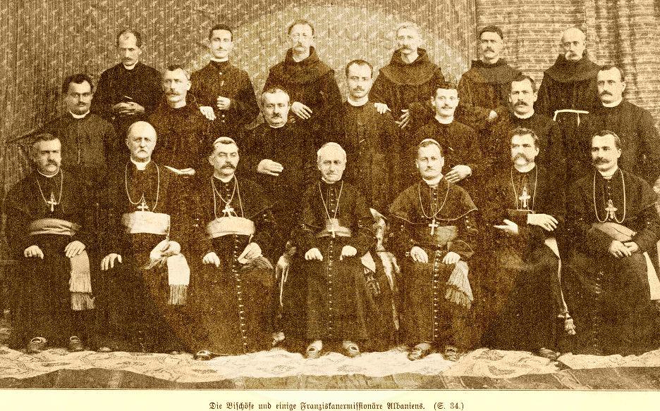 13 Qershor 1913, klerikët françeskanë në Shkodër ngritën flamurin kombëtar në këmbanat e kishave të tyre