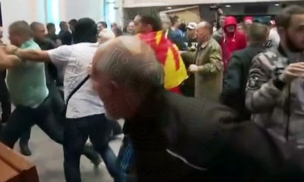 Maqedoni, ministri i ri pezullon 23 drejtues policie për dhunën në Kuvend