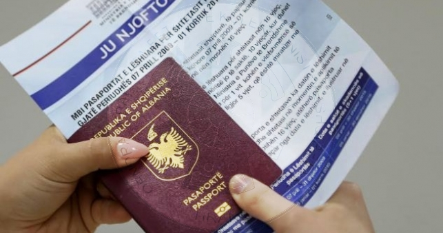 12 Qershor 1990, shpallet dekreti presidencial për dhënien e vizave