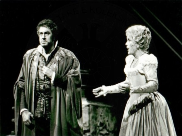 "24 June 1960, People's Theater Troupe premiered the Shakespearean tragedy ""Hamlet"""