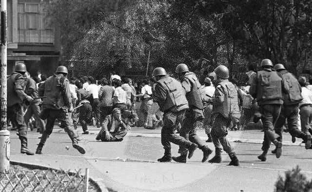 5 Korrik 1990, trupat serbe pushtojnë Radio-Televizionin e Prishtinës