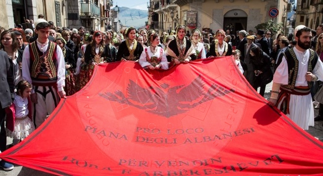 "1 August 1896, the Arbëresh Anton Argondiza published the magazine "" Ylli i Arbëreshëve"""