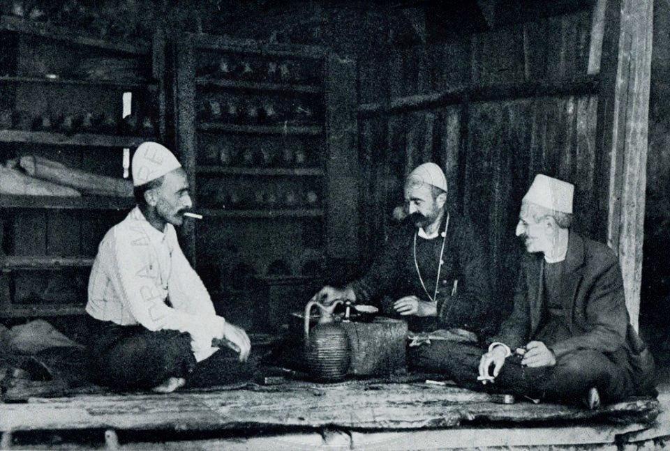 5 Korrik 1761, në Elbasan u bë mbledhja e anëtarëve të esnafit të argjendarëve