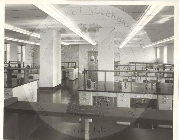 23 Gusht 1937, zhvillohet ceremonia e fillimit të punimeve për ndërtimin e godinës së Laboratorit Bakteriologjik