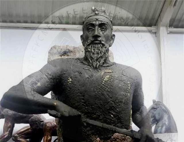 Busti i Skënderbeut në Hungari do të ndryshohet