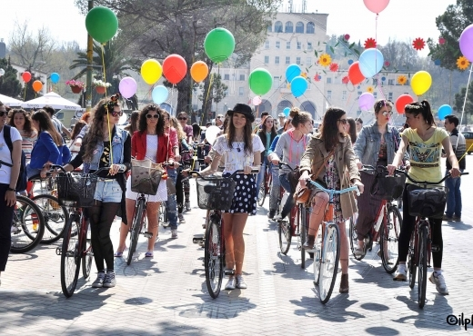 "22nd September 2003, for the first time 6 Albanian cities join the initiative ""for a city without cars"""