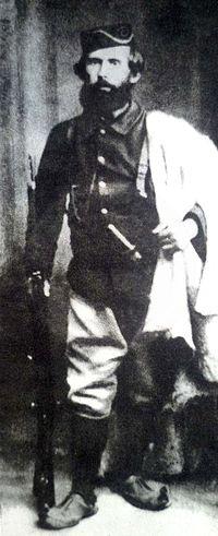 20 Shtator  1913, u mbajt në Vlorë një tubim për të denoncuar  veprimtarinë e Esat Pashë Toptanit
