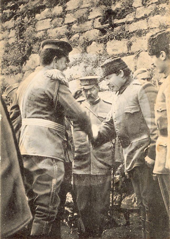 18 Shtator 1921, trupat  serbe dhe forcat e Esat Toptanit bombarduan fshatra shqiptare; 2 muaj luftime të ashpra