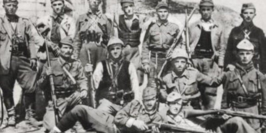 18 Shtator 1944, u formua Brigada e 22të  sulmuese; 1100 partizane, komandant Sali Verdha