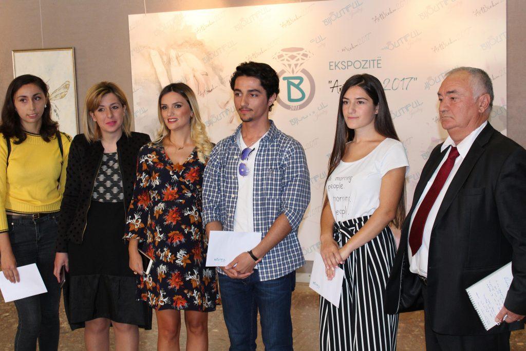 """QMKSH organizoi ekspozitën """"ArtBizhu 2017"""" në Muzeun Historik Kombëtar"""