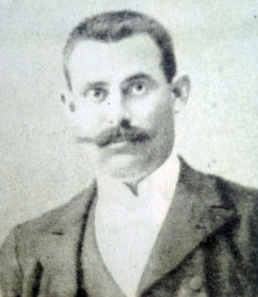 On 3 October 1912 Kristo Luarasi requires assistance to Asdreni to equip with books the Albanian migrants