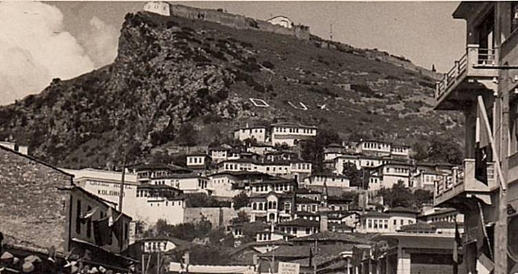 1st October 1785, Kara Mahmut Pashë Bushatlliu expects to battle Kurt Pashën e Beratit