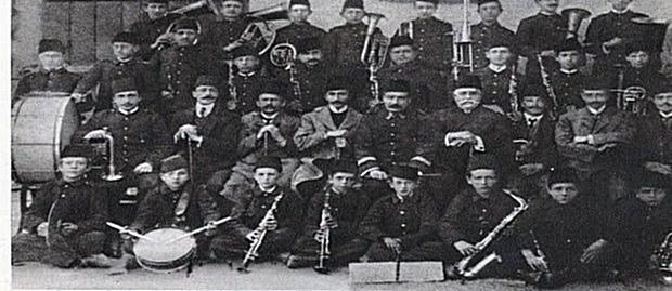 "1st October 1908, was established the musical band ""Liria""   in Korça"