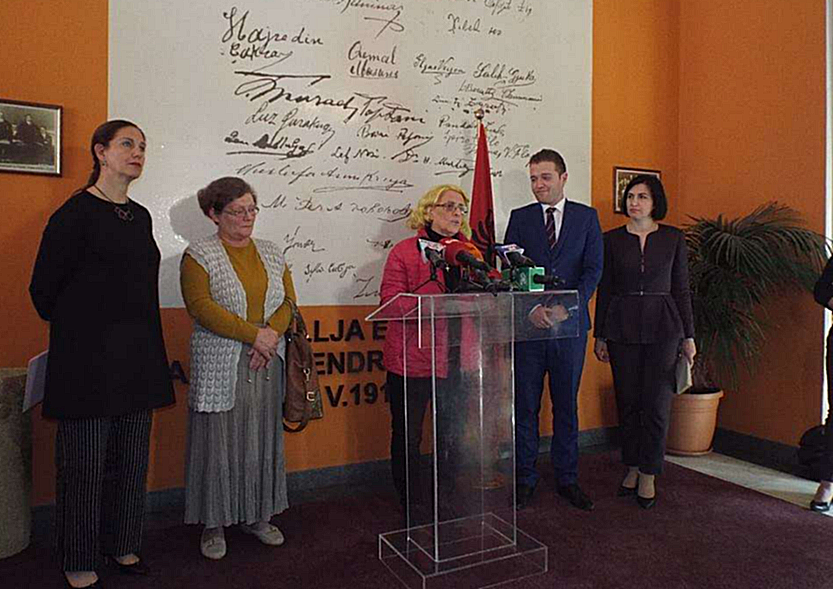 25 thousand manuscripts: The estate of Lasgush Poradec is submitted to the Archive