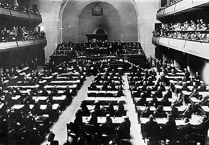 12 Maj 1922, Komisioni i Lidhjes së Kombeve, bëri publik Informacionin Përfundimtar mbi Shqipërinë