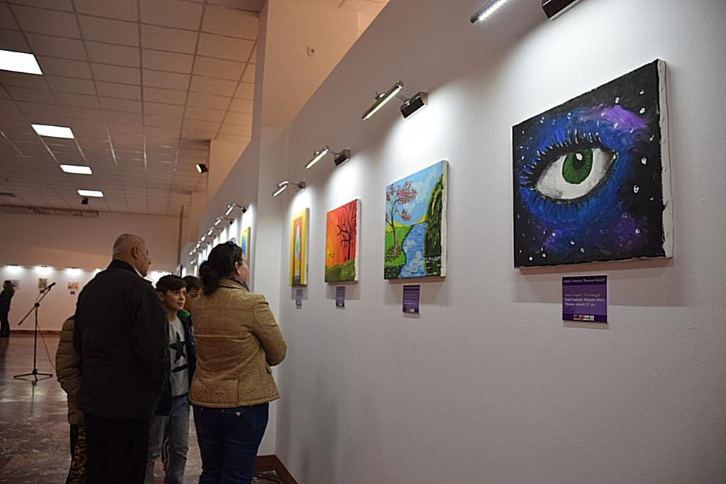 12 Maj 1997, u përurua ekspozita me vepra arti, të fëmijëve me aftësi të kufizuar, në Pallatin e Kulturës në Tiranë