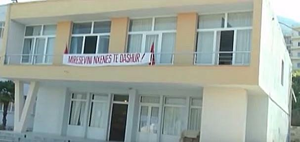22 May 1943, was closed the Vlora High School of Commerce
