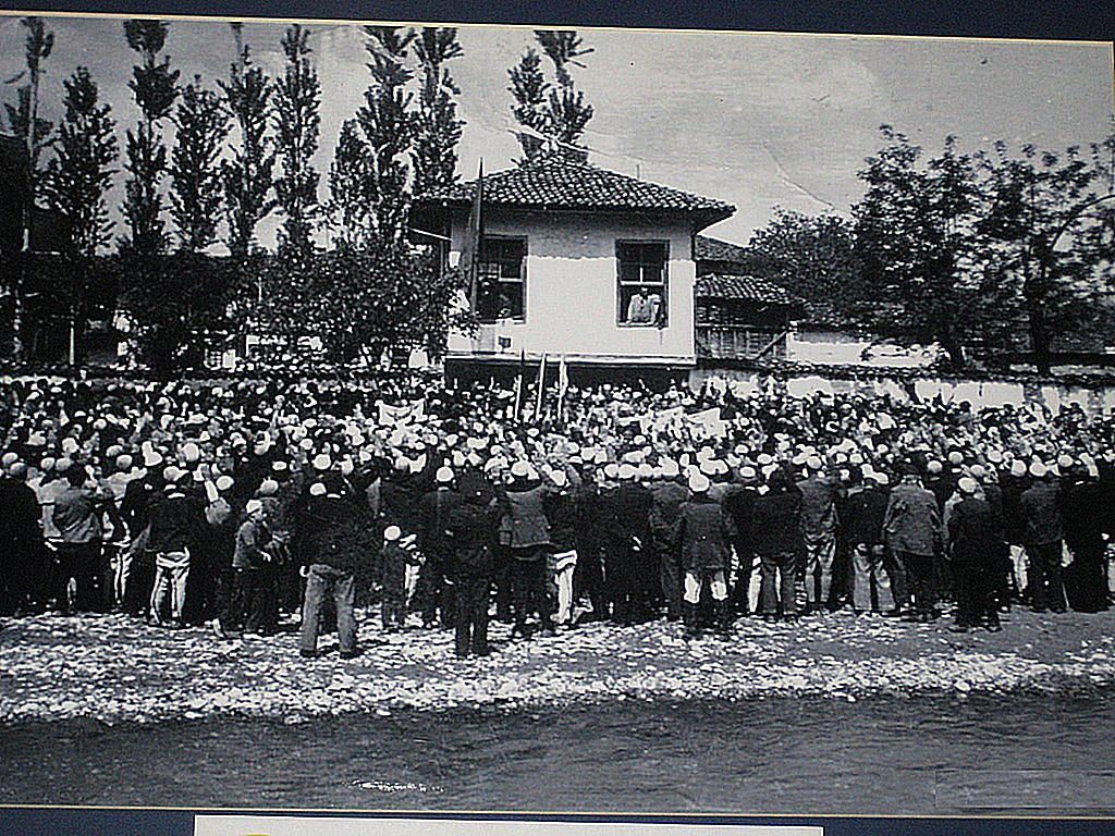 7 May 1879, the Prizren League delegates in Pristina demanded to administer the courts themselves