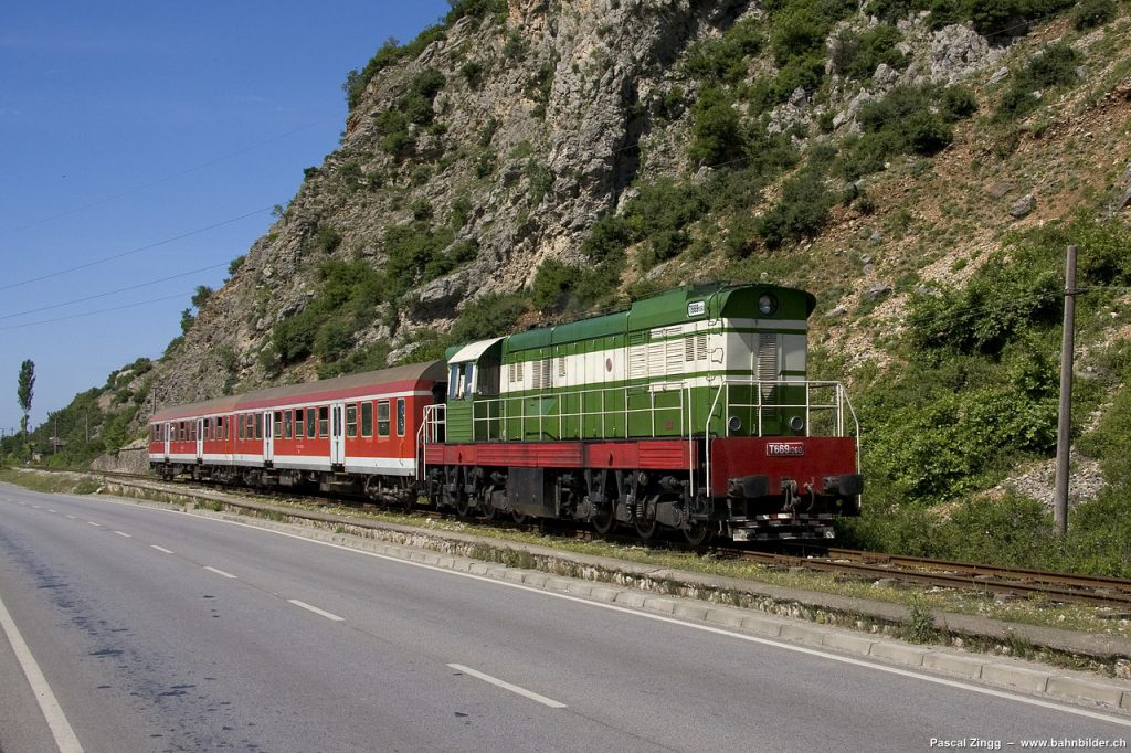 20 November 1981, was inaugurated the railway Laç-Shkodra
