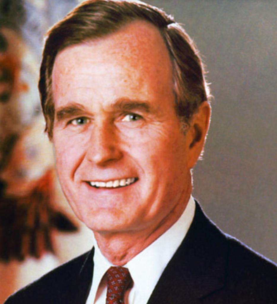 8 Nëntor 1988 u zgjodh në SHBA President George H. W. Bush