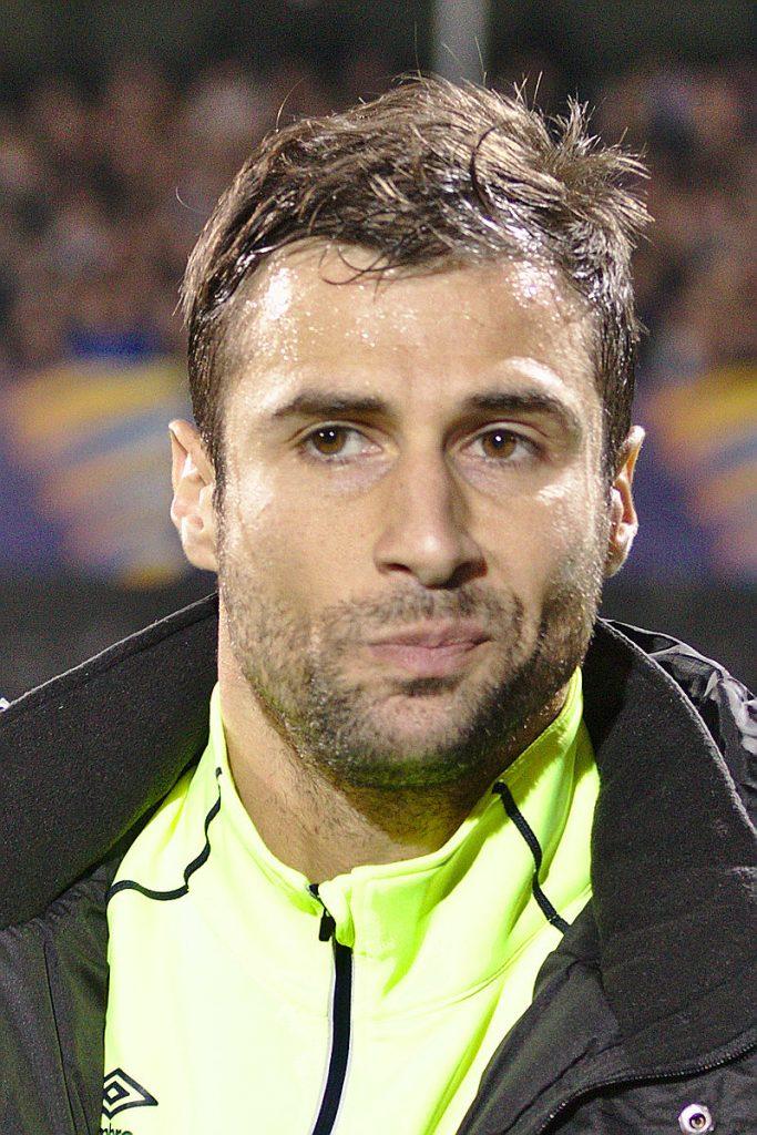 27 korrik 1983, lindi Lorik Cana, futbollist shqiptar.