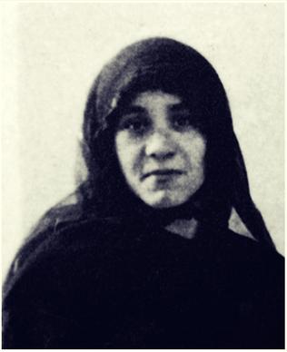 (Shqip) 6 janar 1929, Nene Tereza mberrin ne Kalkuta, Indi.